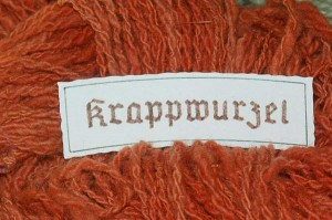 Krapp, Färberröte, Rubia tinctorum, gefärbte Wolle