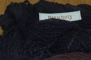 Blauholz, Haematoxylum campechianum, gefärbte Wolle